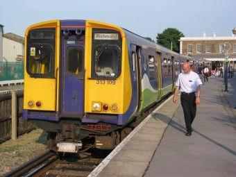 A Class 313 emu with North London Line